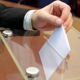 Romania merge duminica la vot